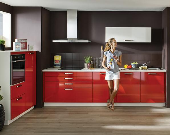 Keukenxpert rood hoogglans gelakte design keuken keukenxpert - Keuken rode en grijze muur ...