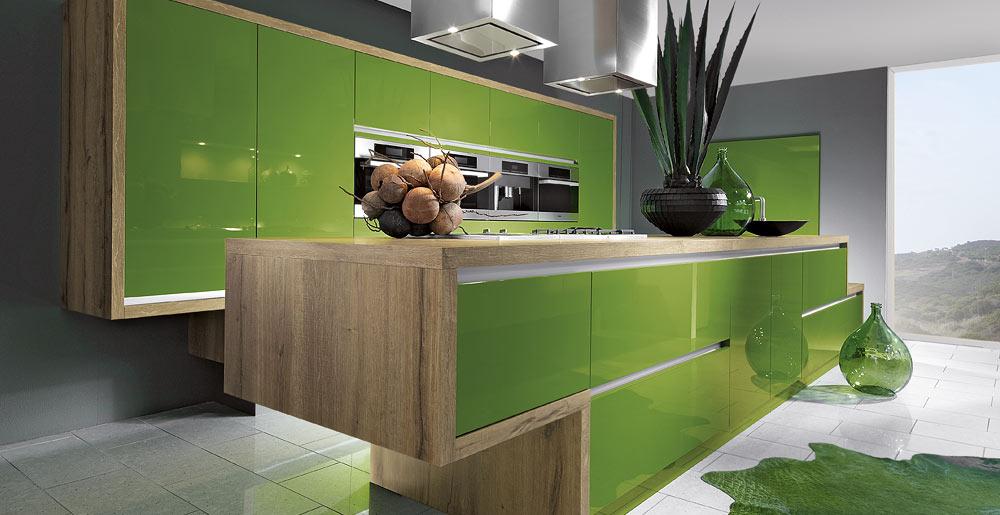 Witte Keuken In Prachtige Ruime Opstelling : KeukenXpert Hoogglans ...